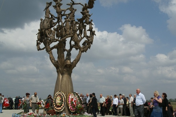 People recall victims of terroristic attack in 2004 in Beslan, Russia