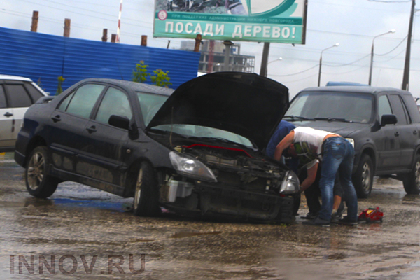 Russia: An auto hit the kiosk, one woman died